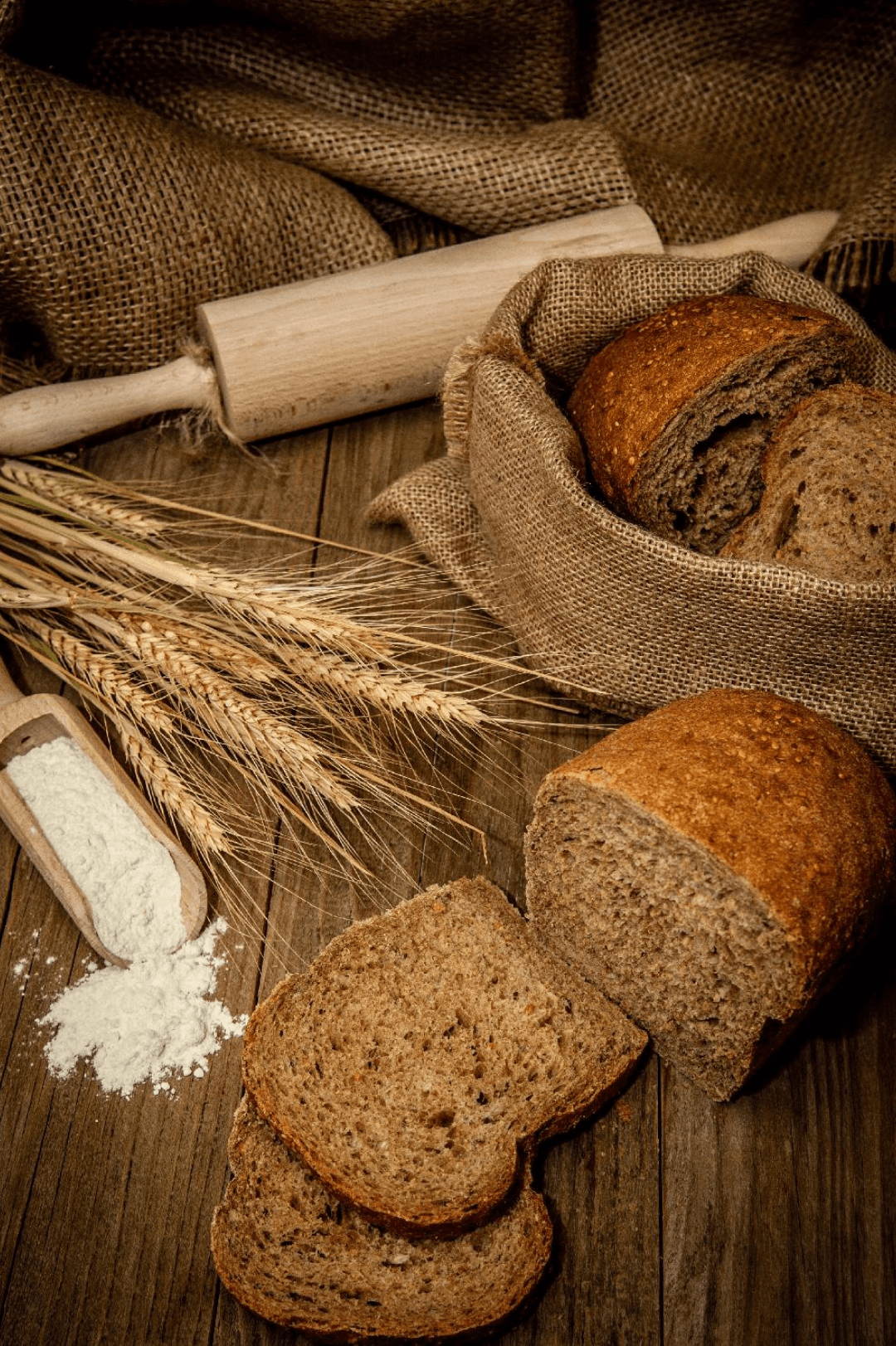 paine-neagra-cu-multicereale (1)